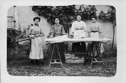 Artisans du textile. Collection Humbert. Archives du musée des Arts populaires de Laduz