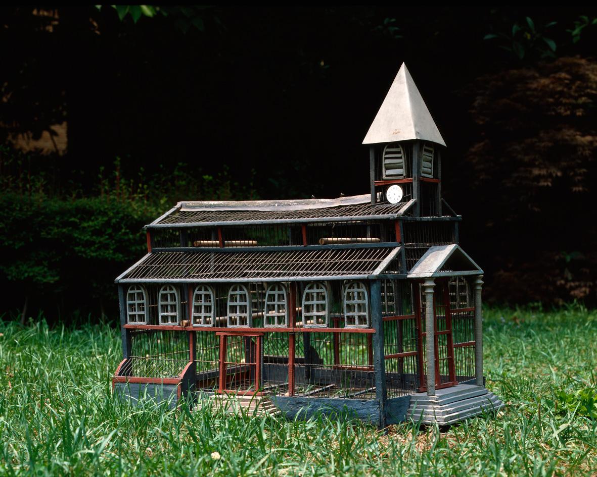 Cage église. Art populaire. Photo Marie-José Drogou / Musée des Arts populaires de Laduz